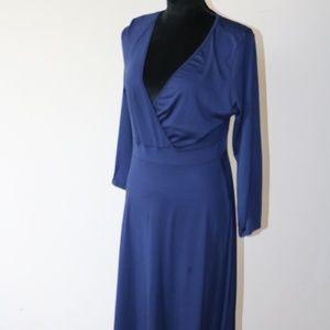 Navy blue v-neck long sleeve maxi dress
